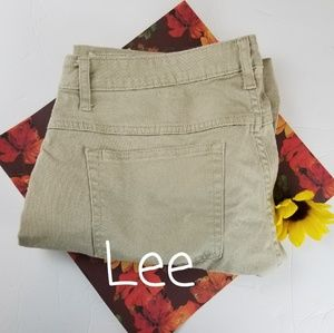 LEE RIDERS CROPPED TAN JEANS, SIZE 14